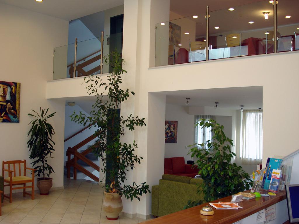 Hotel Ageri Inside
